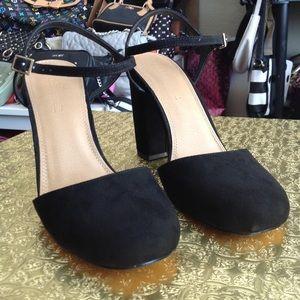 Asos chunky heels nwot